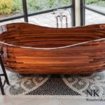 Wood bathtub